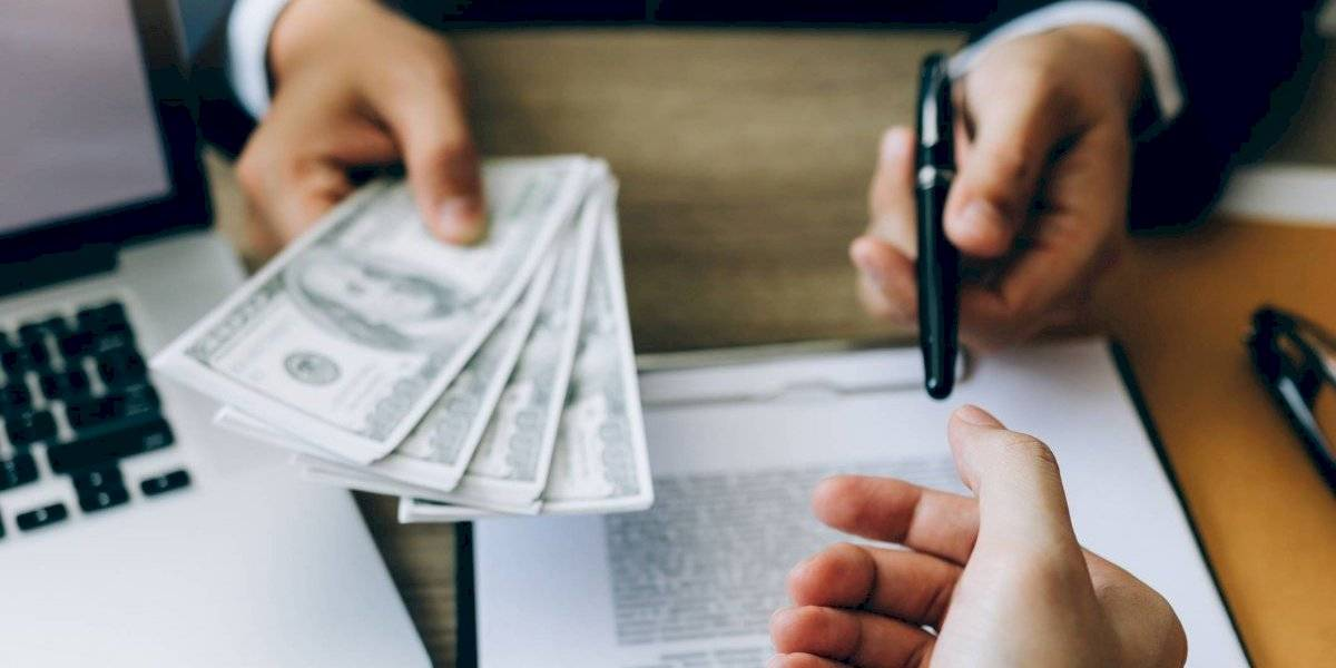 Arrestado hombre que compró casa de $1.1 millones tras fraude a fondos de Ley Cares