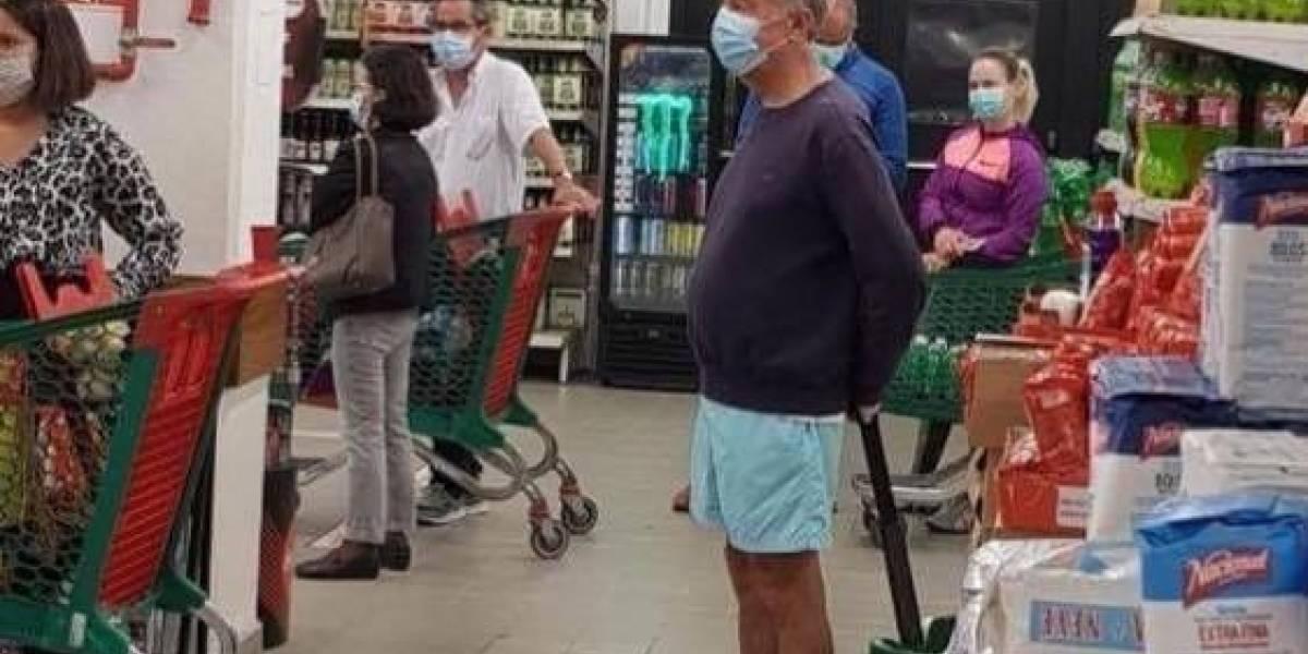 Foto del presidente de Portugal haciendo fila en un supermercado dio la vuelta al mundo