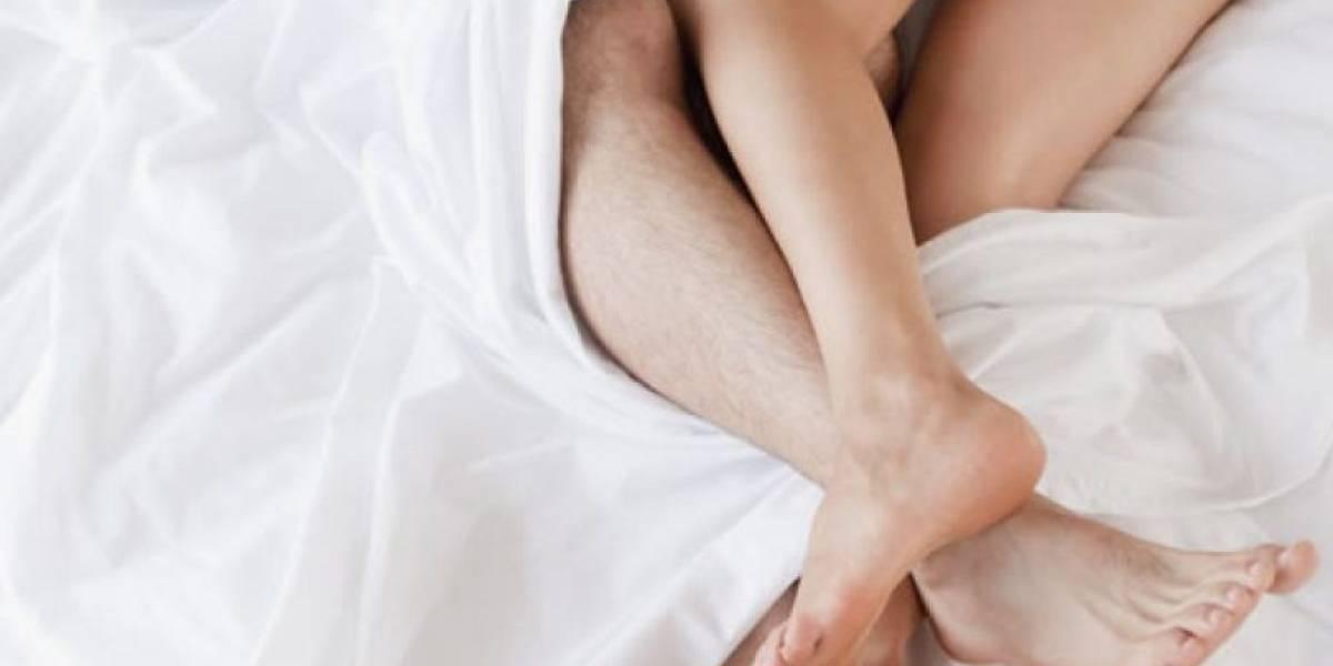 Coronavirus a la hora del amor: recomiendan usar máscaras durante el sexo y nada de besarse