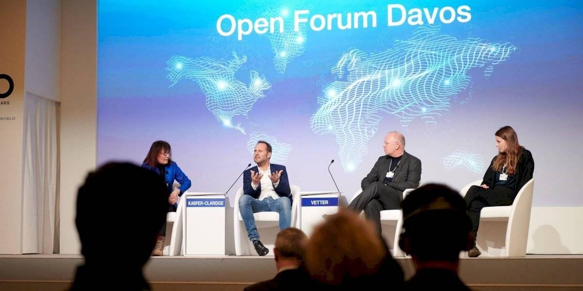 Líderes de empresas detallan riesgos del  COVID-19 a la economía mundial