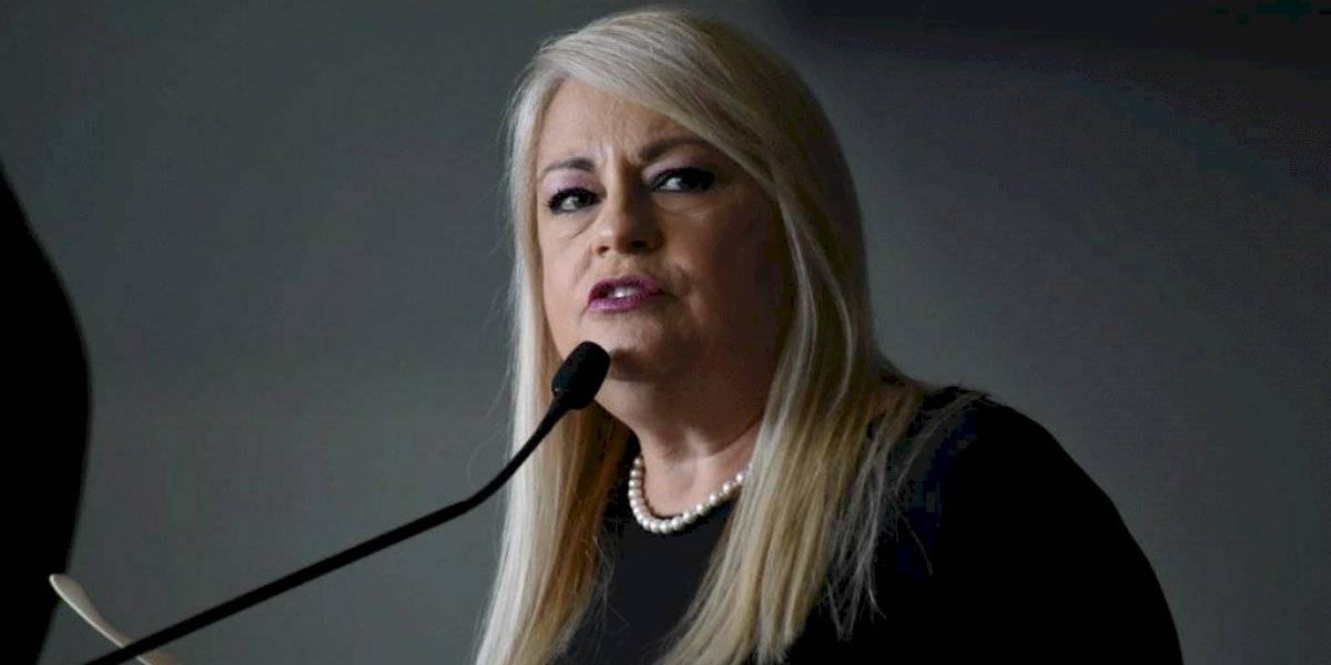 Gobernadora se une a decretos de Estados Unidos por víctimas del COVID-19