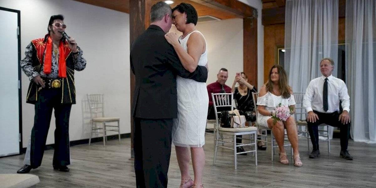 Continúan las bodas en Las Vegas, pero con medidas sanitarias