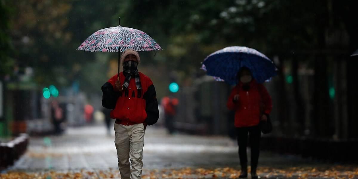 ¿Llueve o no llueve? Revisa el pronóstico del tiempo para este fin de semana largo en Santiago