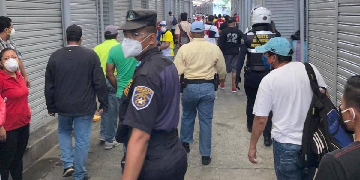Aumenta el comercio informal y de trabajadoras sexuales en Guayaquil