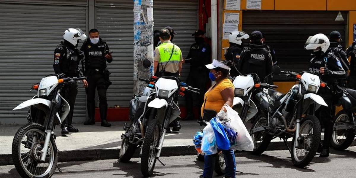 Quito: Incidentes entre comerciantes informales y agentes de control en el Comité del Pueblo