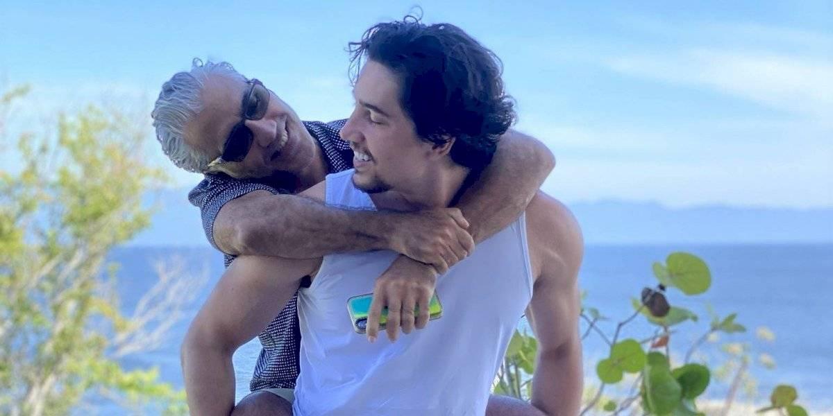 Alex Fernández hace llorar a su padre con El tiempo no perdona