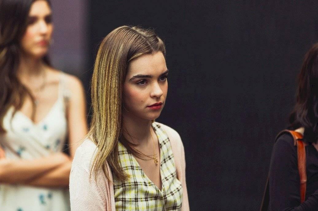 Macarena García da vida a Natalia, quien es la más popular de la escuela pero al igual que todos tiene secretos. Cortesía