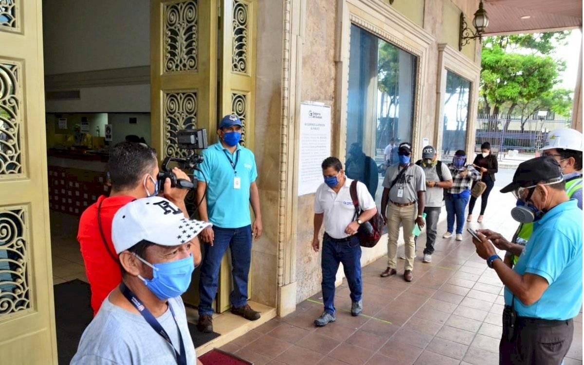 prefectura-del-guayas-trabajadores