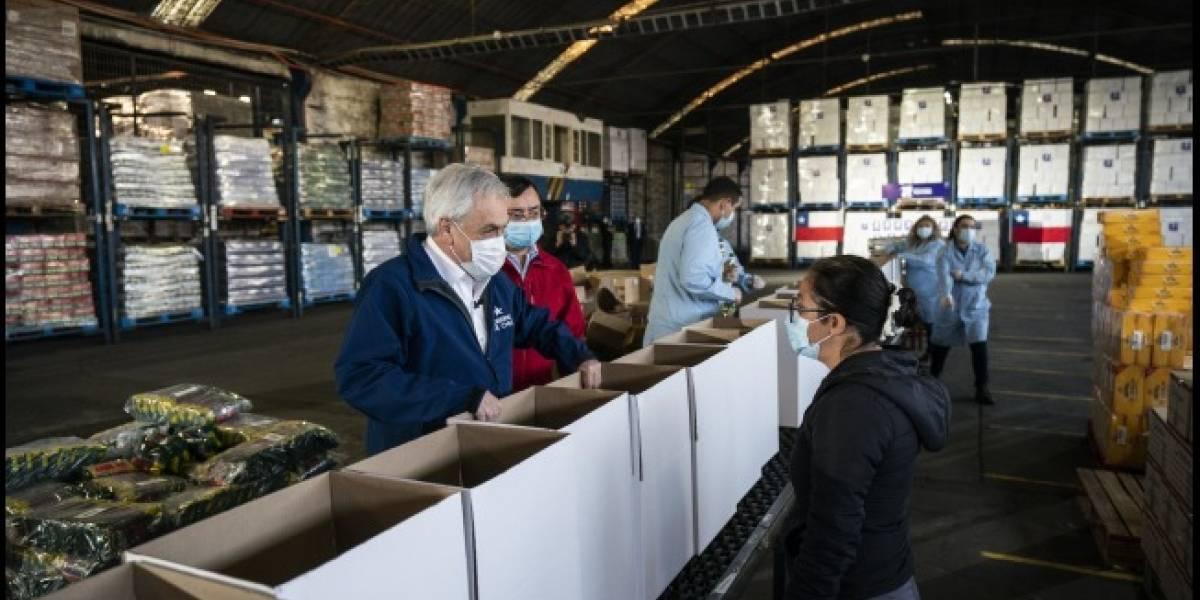 """Piñera y cajas de alimentos: """"No resuelve los problemas, pero que es una ayuda"""""""