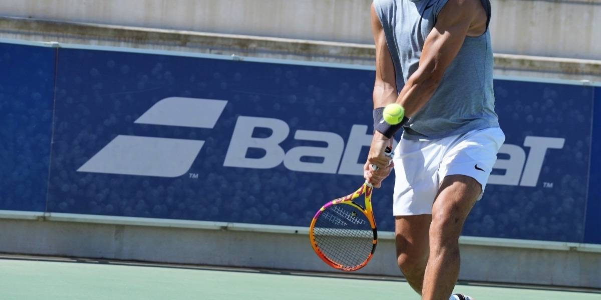 Tenis.-Rafa Nadal comparte su regreso a las pistas de su Academia