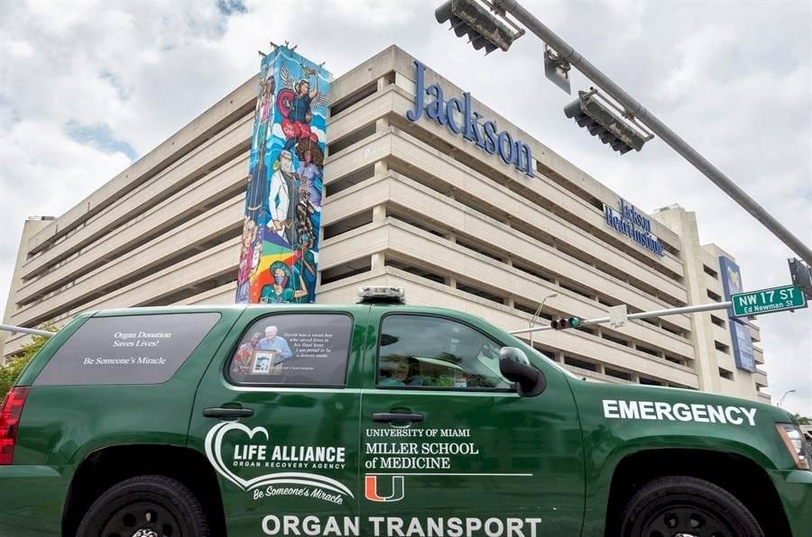 Un mural de más de 40 metros para inspirar a los trabajadores esenciales de Miami