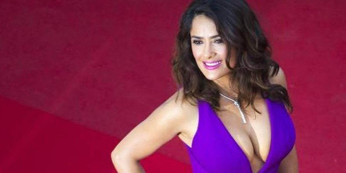 Salma Hayek recuerda sus despampanantes vestidos y resalta su seductora figura en el Festival de Cannes