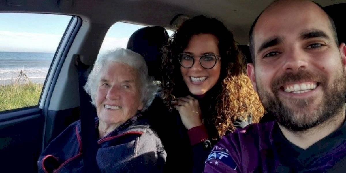 """Pareja de boricuas """"adopta"""" a una mujer de 91 años en Nueva Zelanda"""