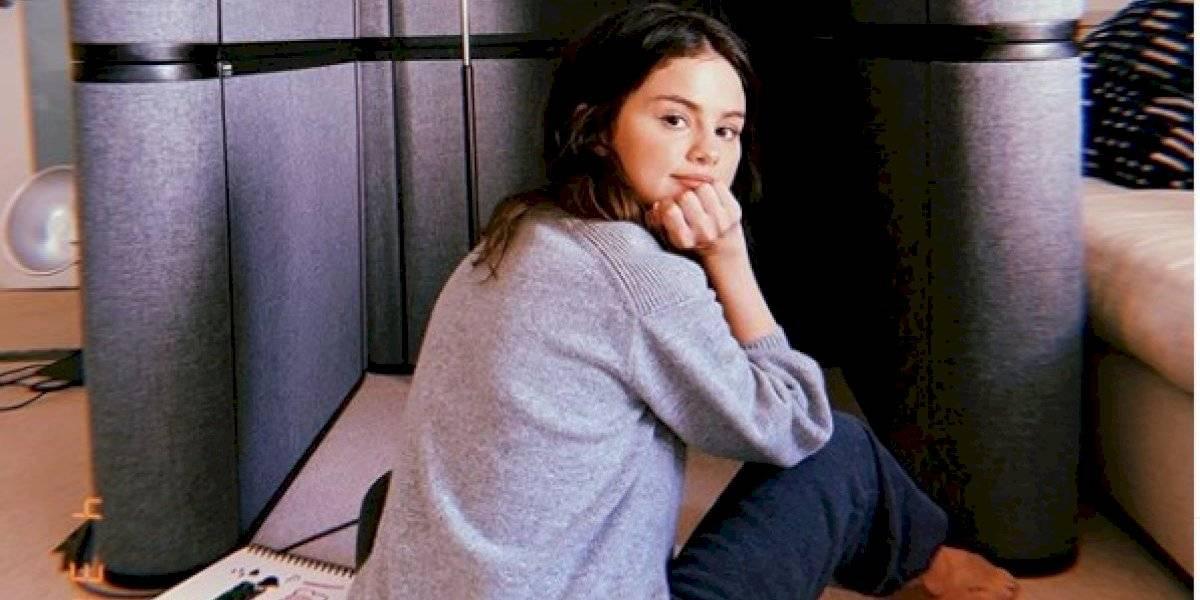 Selena Gómez cumple el sueño de sus fanáticos latinos y canta su propio tema ¡en español!
