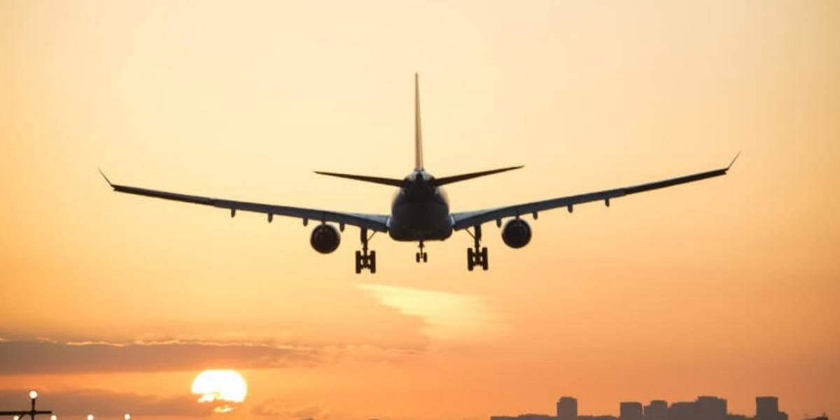 Pakistán: avión con 107 pasajeros se estrella en un barrio residencial