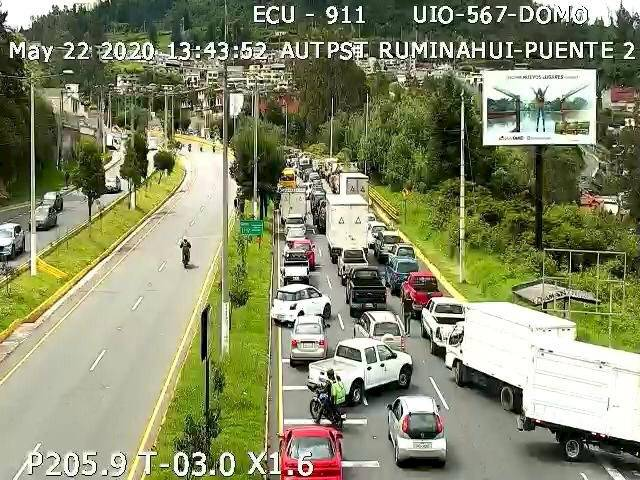 Un fallecido y un herido en accidente e incendio vehicular en la Autopista General Rumiñahui