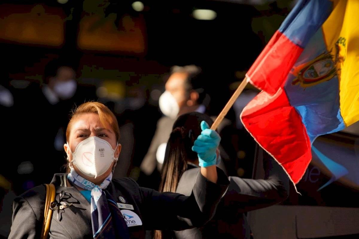 Plantón de los trabajadores de Tame en contra de la liquidación de la empresa de la aerolínea API