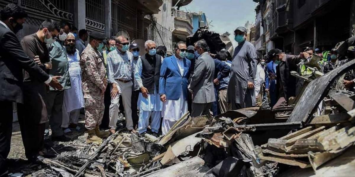 VIDEO. Al menos 97 muertos en un accidente de avión en Pakistán