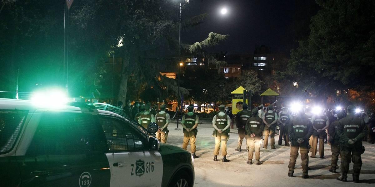 Fiesta clandestina en la comuna de Santiago termina con 29 detenidos: o son tontos o malos