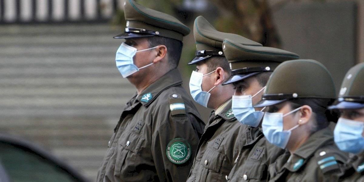 Carabinero con coronavirus es detenido: sacó a pasear a sus mascotas