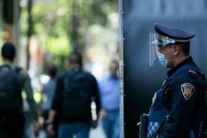 Dejan sin bonos a policías pese a riesgo de trabajo por Covid-19