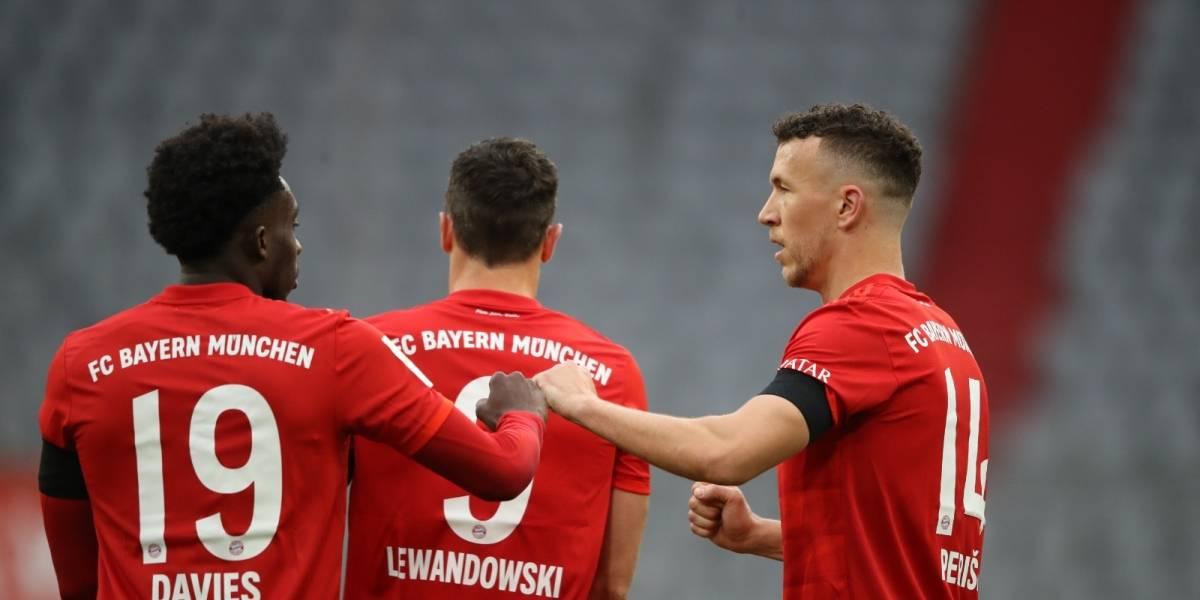 Bayern Münich golea al Frankfurt y se mantiene en el liderato