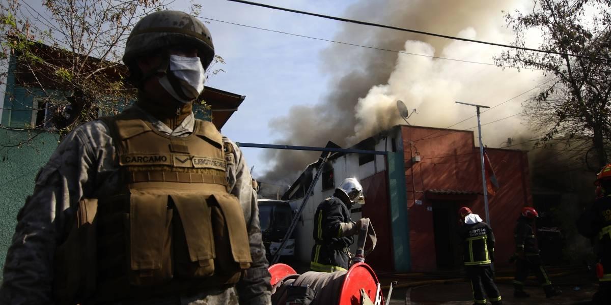 Balance del incendio en Estación Central: 30 familias damnificadas y 14 casa afectadas