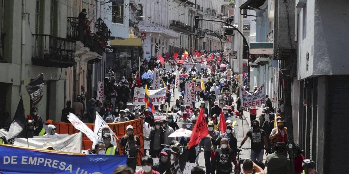 Estallan protestas en Ecuador: miles de personas exigen comida, salud y trabajo