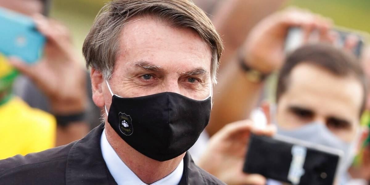 Bolsonaro le echa la culpa a todo el mundo y no se responsabiliza por casos de COVID-19 en Brasil