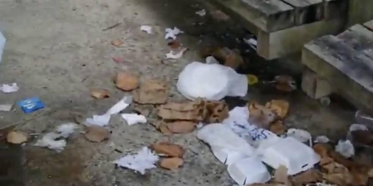 Tablado de Piñones lleno de basura tras visitas del fin de semana