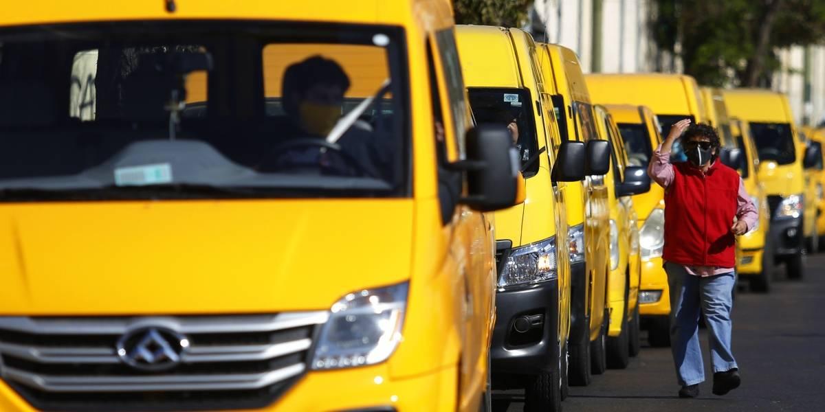 Prorrogan por tres meses permisos de circulación de taxis, transporte escolar y buses