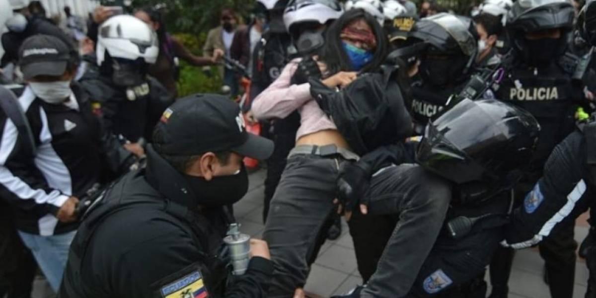 #LiberenaMatías: Detienen a joven en protesta de Cuenca y autoridades se pronuncian
