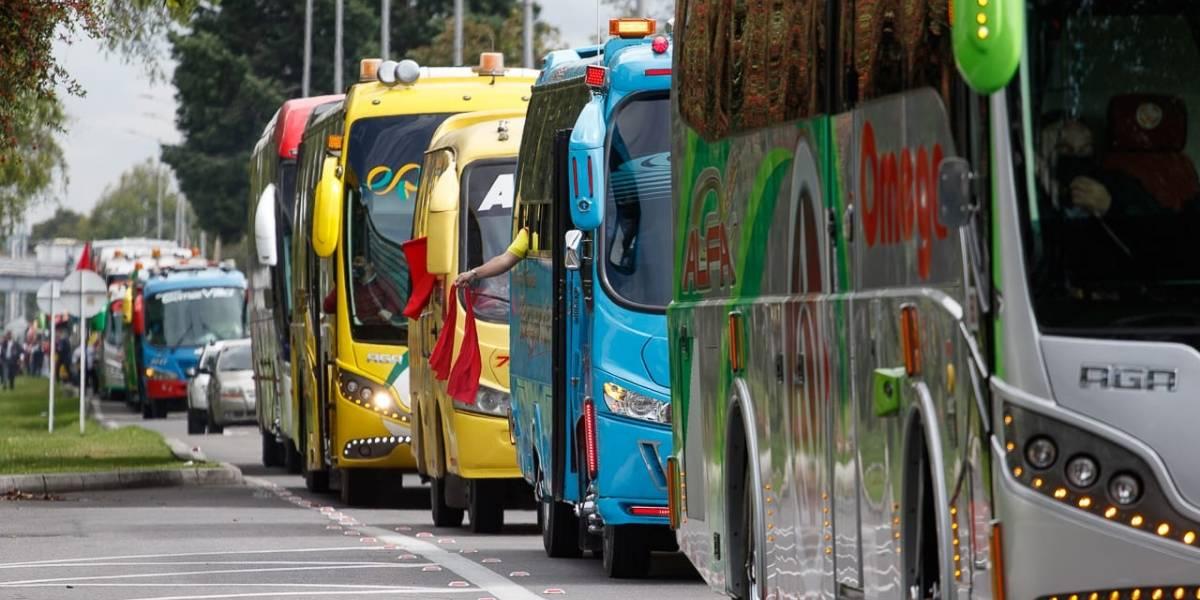 Mujer viajaba en un bus y las autoridades descubrieron sospechosos paquetes en su bolso