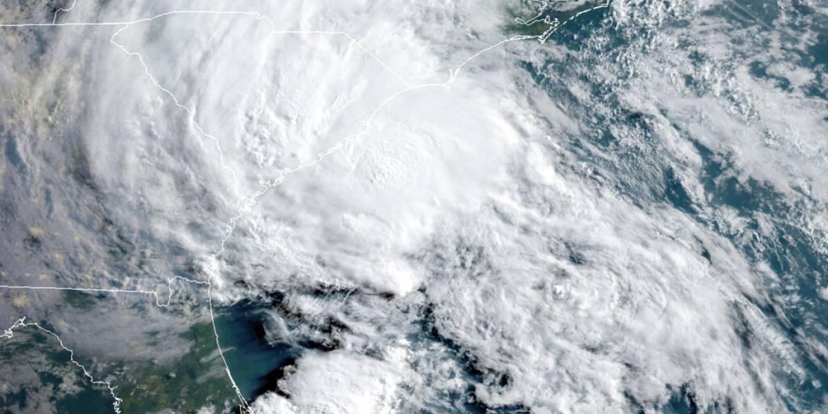 Bertha toca tierra en Carolina del Sur