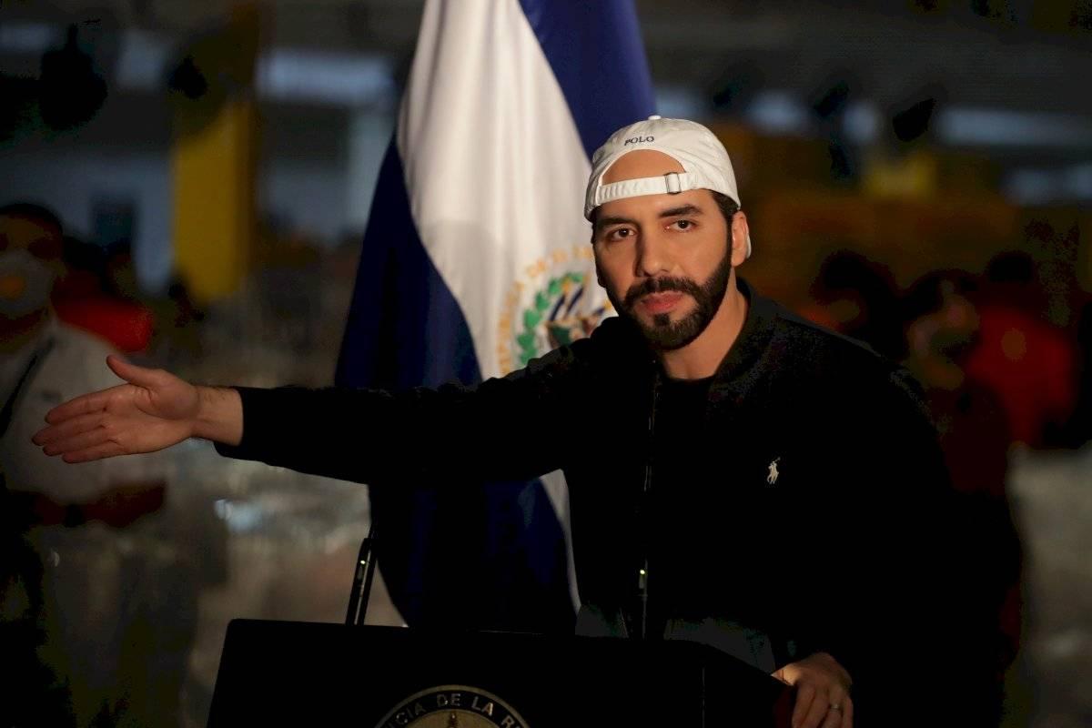 l presidente de El Salvador, Nayib Bukele, ofrece una conferencia de prensa este lunes, en Ilopango (El Salvador).