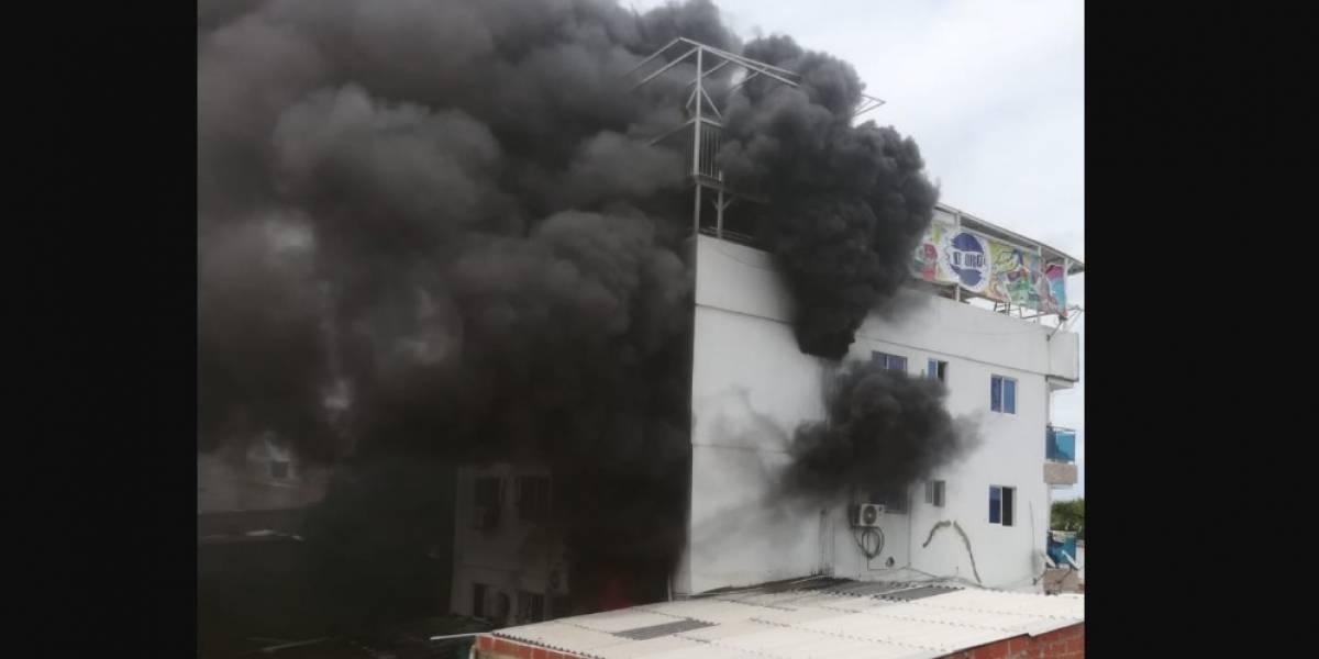 Enorme incendio en casa de Kevin Florez en Cartagena alertó a sus vecinos