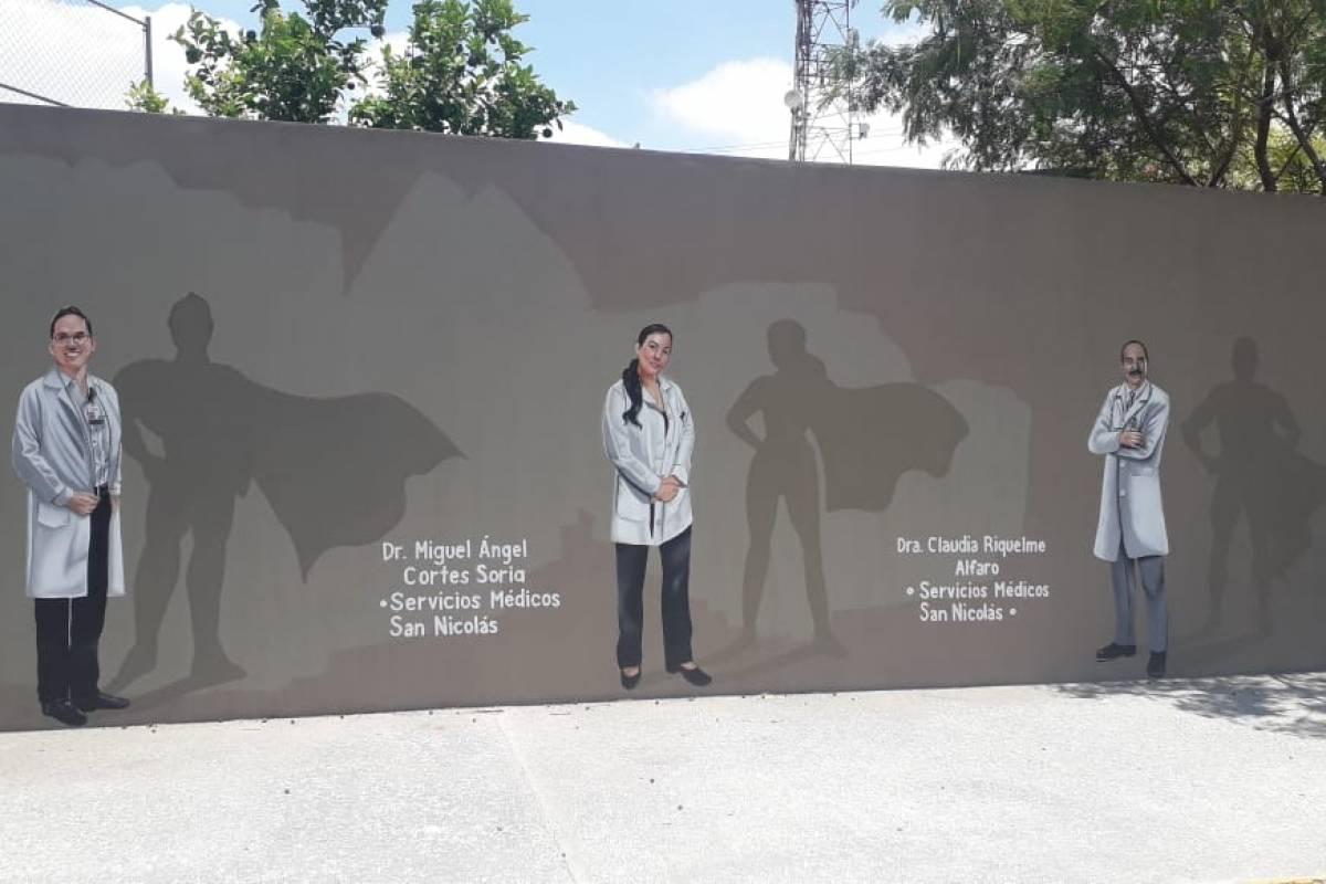"""Plasman al doctor de la O como un """"superhéroe""""   Publimetro México"""