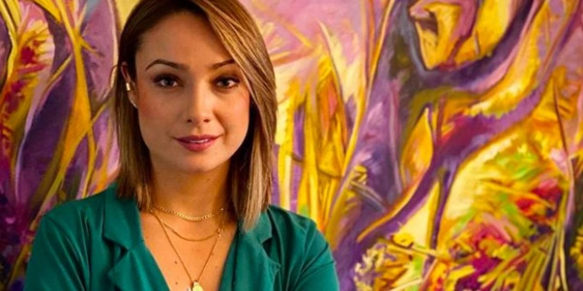 Por culpa de un curioso accesorio, Mónica Jaramillo distrajo a los televidentes de 'Noticias Caracol'