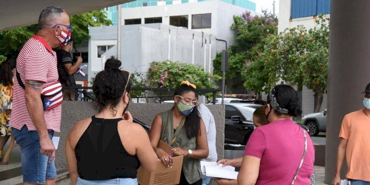 Tapones por servicarro para documentos del desempleo se repiten en Miramar