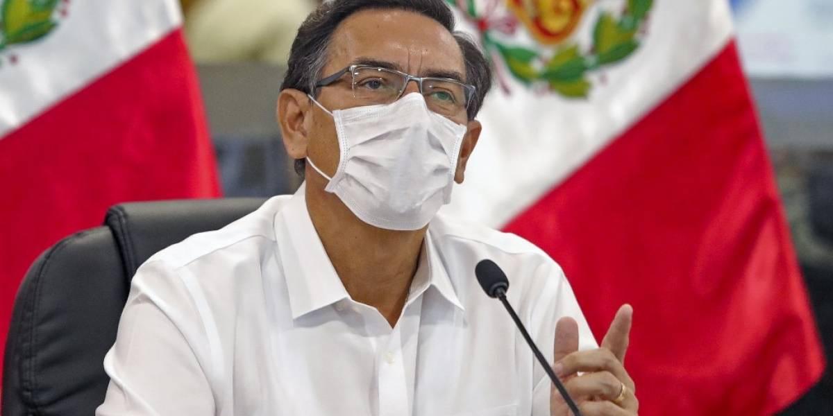 Presidente y ministros de Perú se reducen sueldos por la pandemia