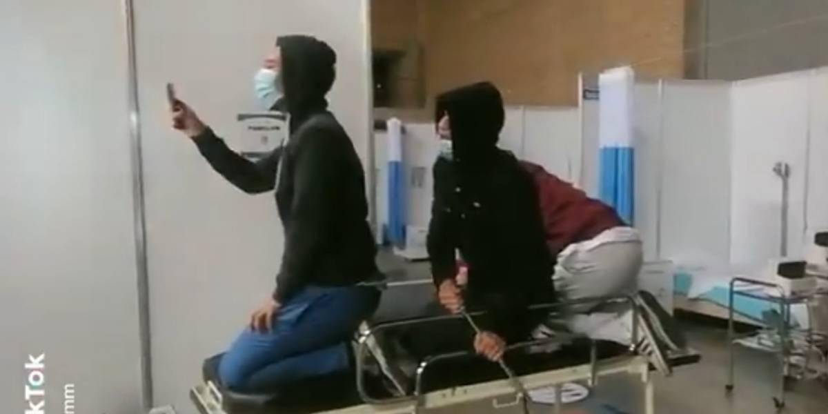 Enfermeros de hospital de Corferias dicen que los trataron como delincuentes