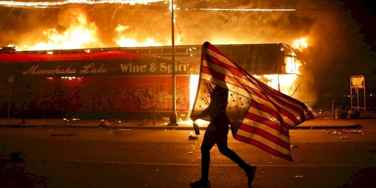 Estados Unidos en situación de crisis interna total: al menos 40 ciudades imponen toque de queda