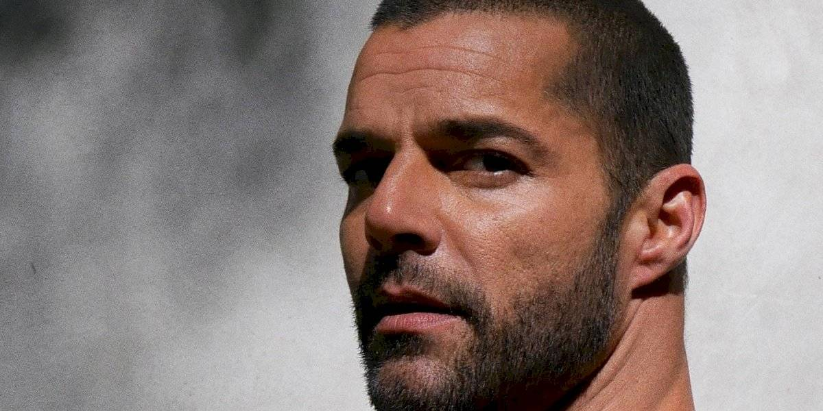 """Ricky Martin confiesa que siente un poco de """"estrés postraumático"""" tras entrevista en que cuestionaron su sexualidad"""