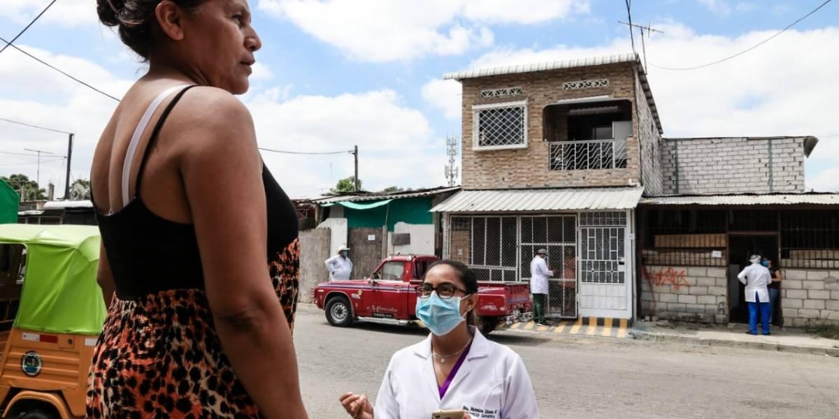 Carpa con oxigenoterapia atiende a pacientes en Tenguel