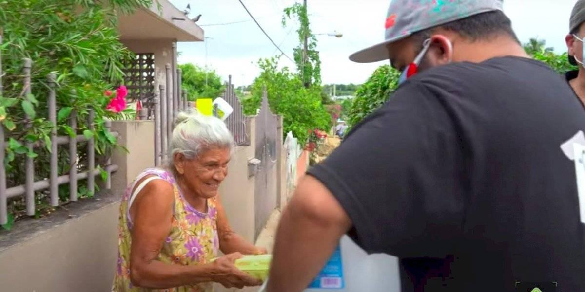 El corillo de Ruteando Mi Isla saca la cara por nuestros abuelitos (Video)