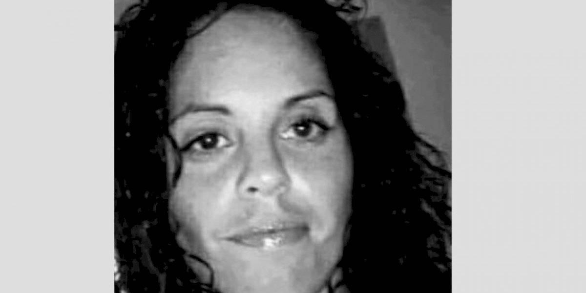 Buscan a mujer de 32 años por robarse un carro con piezas adentro