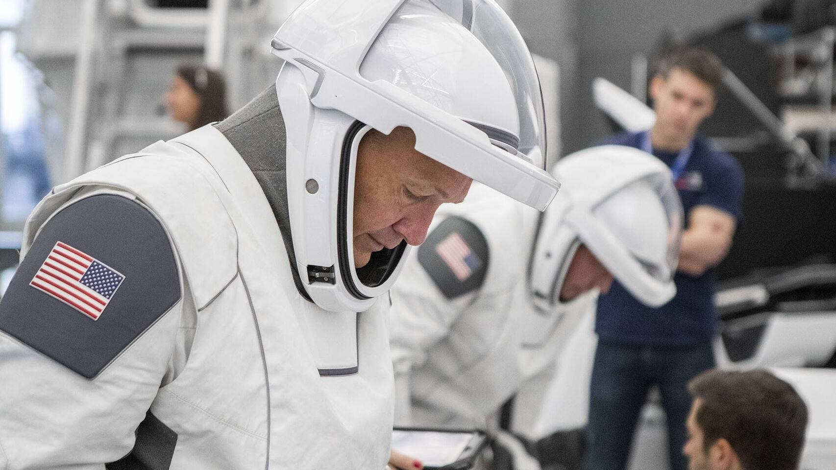 Casco traje SpaceX