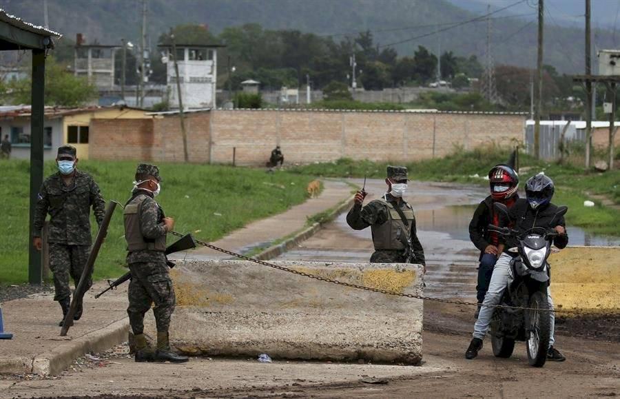 Los contagios de COVID-19 suben en las hacinadas prisiones de Centroamérica