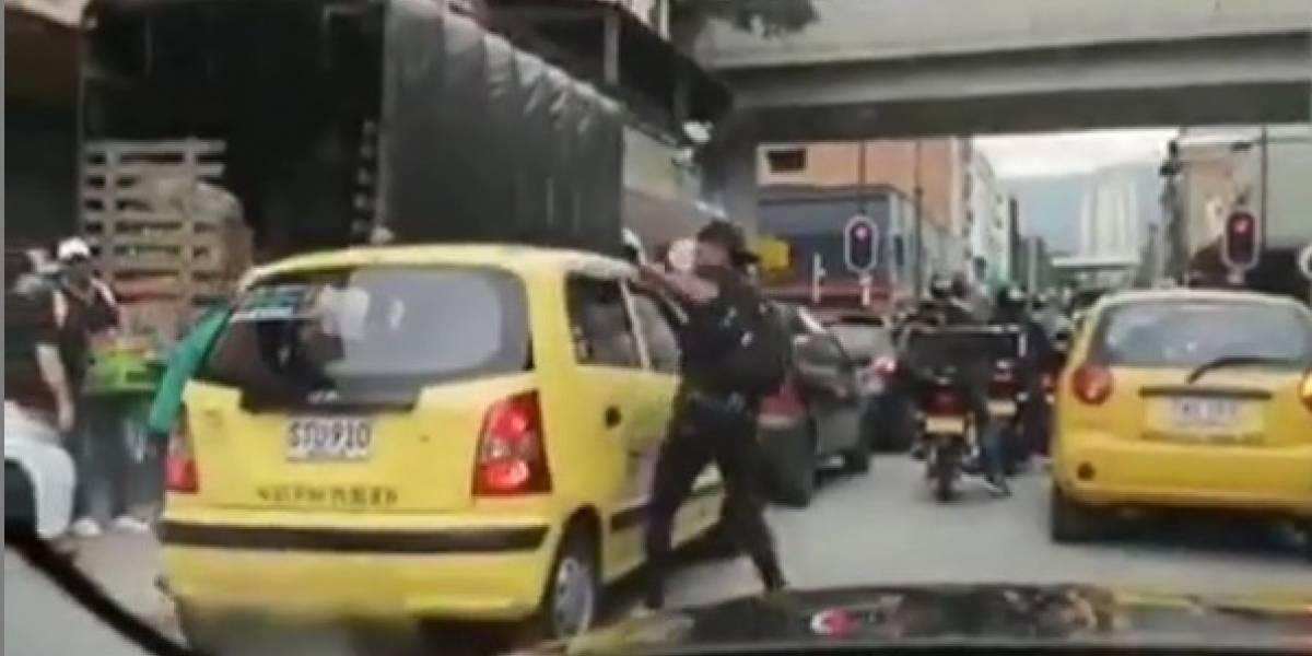 ¡Atención! Esta sería la forma como estarían atracando a los pasajeros de los taxis