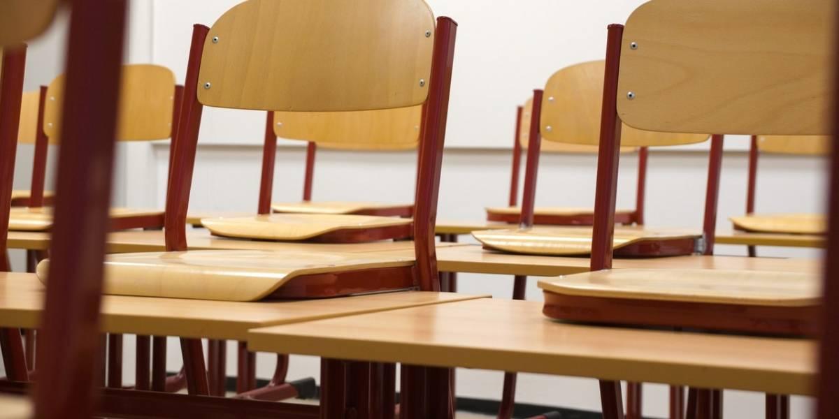 Volta às aulas nos EUA tem quase 100 mil infectados